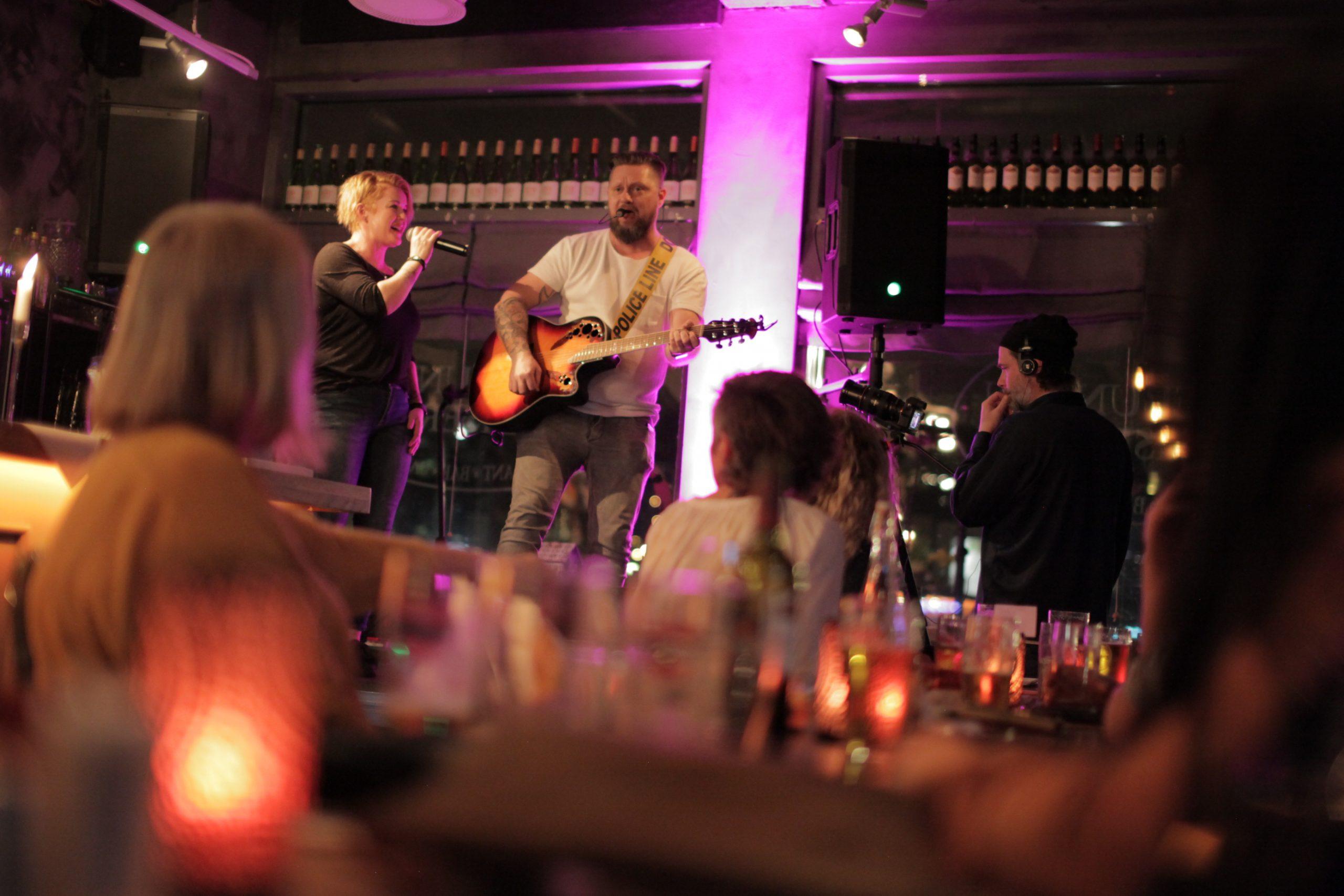 Live musikk til julebord - TwoPack akustisk duo
